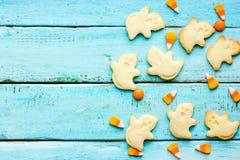 万圣夜鬼魂曲奇饼和甜糖味玉米 图库摄影