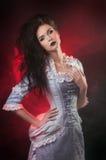 万圣节吸血鬼妇女纵向  免版税库存图片