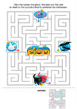 万圣节孩子的迷宫比赛 免版税库存图片