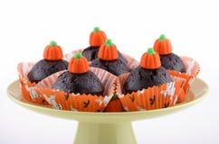 万圣节巧克力杯形蛋糕 免版税库存图片