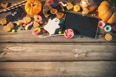 万圣节的甜点 款待窍门 免版税库存照片