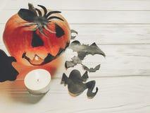 万圣节 与鬼魂棒和spide的鬼的起重器灯笼南瓜 库存照片