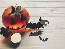 万圣节 与鬼魂棒和spide的鬼的起重器灯笼南瓜 免版税库存照片