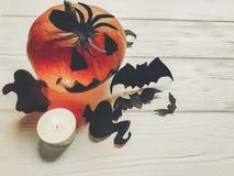 万圣节 顶起与巫婆鬼魂棒和蜘蛛的灯笼南瓜 库存照片