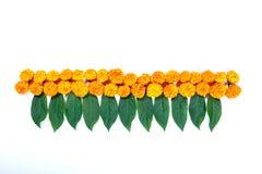 万寿菊花屠妖节节日的,印地安节日花装饰rangoli设计 图库摄影