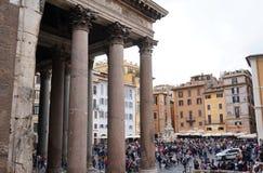 万神殿和他的方尖碑在罗马 免版税库存图片