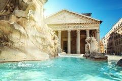 万神殿喷泉,罗马 免版税库存图片