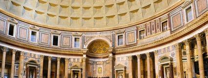 万神殿在内部里面在罗马,意大利。 库存照片