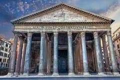 万神殿在罗马,看法在一个晴天 图库摄影