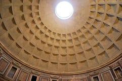 万神殿天花板在罗马,意大利 免版税库存照片