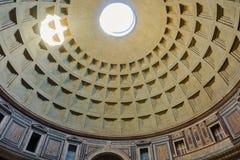 万神殿-令人惊讶的罗马,意大利圆顶  免版税图库摄影