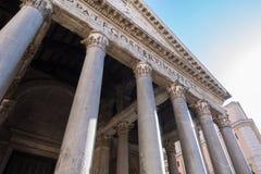 万神殿-令人惊讶的罗马,意大利的专栏 免版税图库摄影