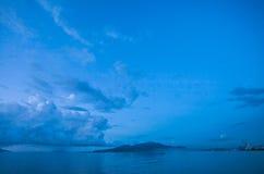 万鸦老海滩印度尼西亚海景视图  免版税库存照片