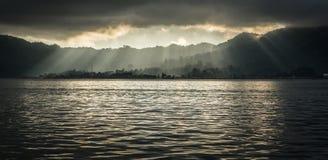 万鸦老,印度尼西亚江边 免版税库存照片