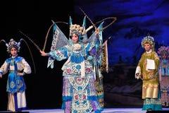 """三一代人北京Opera""""杨Family†的妇女将军 库存图片"""