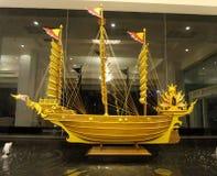 三上了船桅木三桅帆缩样 库存图片