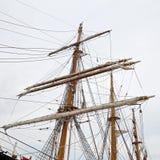 三上了船桅Palinuro,一历史的意大利海军训练barquentine,停泊在加埃塔口岸 库存照片