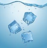 三个冰块滴下了入水 EPS10 库存图片