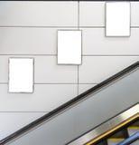 三个大垂直/画象取向空白广告牌 免版税库存照片
