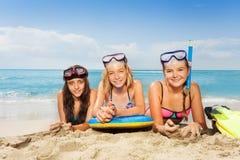 三个女孩暑假 免版税库存照片