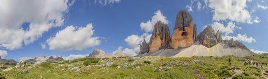 三个峰顶的远足者 图库摄影