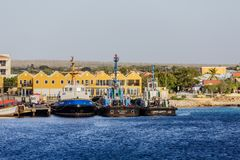 三个拖轮在博内尔岛 免版税库存照片