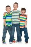 三个时尚小男孩 免版税库存图片