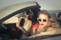 三个朋友在度假 免版税图库摄影