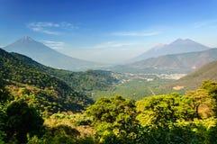 三个火山看法,危地马拉 库存照片