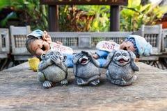 三个猴子雕象 免版税库存图片