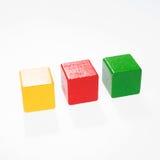 三个玩具块,多色大厦砖 免版税图库摄影