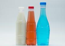 三个现代设计瓶软饮料,增加您自己的文本 免版税图库摄影