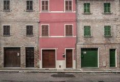 三个砖房子 免版税库存图片