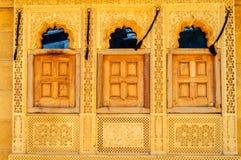 三个窗口和样式, Jaisalmer,拉贾斯坦金黄堡垒我 库存照片