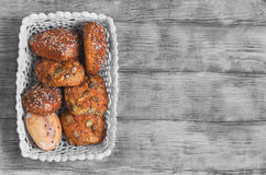 三个自创黑麦小圆面包 免版税库存图片