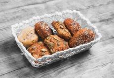 三个自创黑麦小圆面包 库存照片