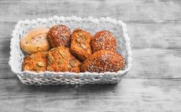 三个自创黑麦小圆面包 图库摄影