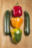 三个胡椒和二夏南瓜 免版税库存图片