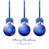 三个蓝色圣诞节球 免版税库存照片