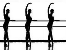 三个跳芭蕾舞者 库存照片
