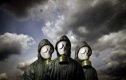 三个防毒面具 生存题材 免版税库存图片