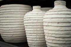 三个陶瓷花瓶 免版税图库摄影