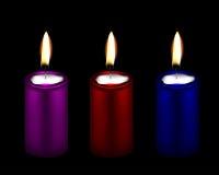 三个颜色装饰蜡烛的例证 免版税库存照片