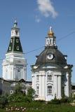 三位一体圣Sergius -最大的正统男性修道院拉夫拉在俄罗斯 斯摩棱斯克象维尔京, 18世纪教会  库存图片