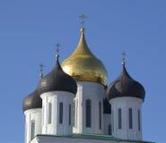 三位一体大教堂圆顶  普斯克夫 免版税库存照片