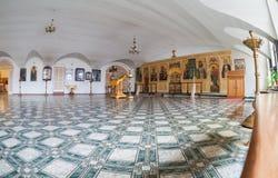 三位一体的寺庙的内部在Valdai,俄罗斯 免版税图库摄影