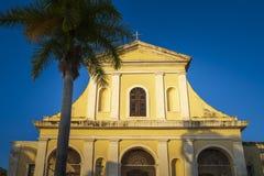 三位一体的教会在广场主要在特立尼达 库存照片
