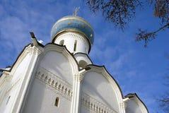三位一体Sergius拉夫拉圣灵教会在俄罗斯 彩色照片 免版税库存图片