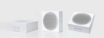 三台白色扩音器 免版税图库摄影