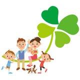 三叶草和家庭,四片叶子 库存图片